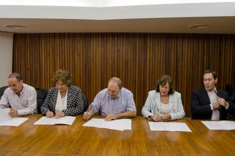 La FCPyS firmó convenio de cooperación técnica para prospección hídrica