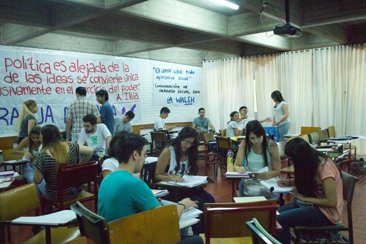 Más de setecientos estudiantes volvieron a elegir la FCPyS