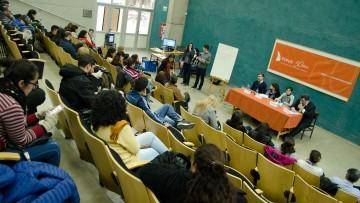 El público fue protagonista en el debate joven de la FCPyS