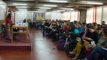 Jules Falquet dictó conferencia sobre feminismo, globalización y violencia