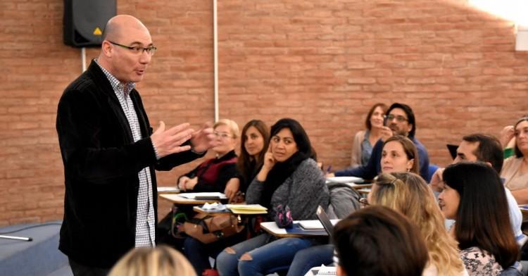 Paul Capriotti explicará la importancia de la divulgación científica