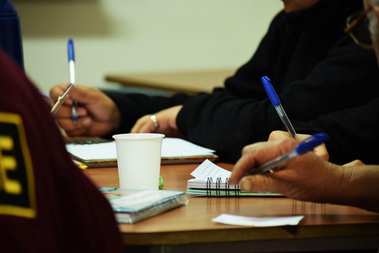 Convocatoria para estudiantes avanzadas/os