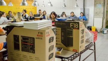 La biblioteca de la FCPyS tiene nuevos equipamientos tecnológicos y sistema de préstamos