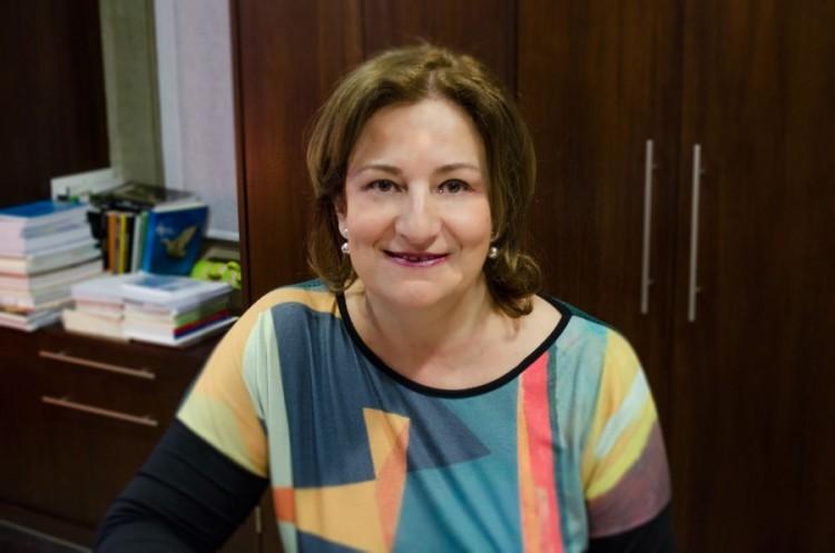 Claudia García conmemora los 50 años como Facultad de Ciencias Políticas y Sociales