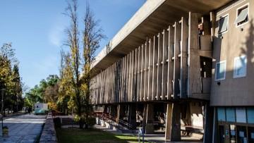 Nuevo reconocimiento de CONEAU y categorización para la Especialización y Maestría en Análisis Institucional