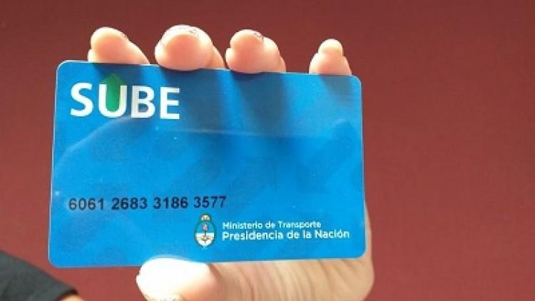 Comenzó la entrega de abonos universitarios con la tarjeta SUBE