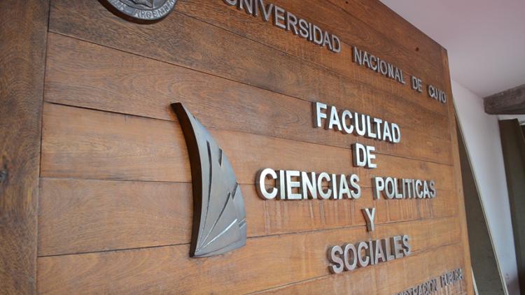 El Consejo Directivo de la FCPyS repudia los dichos de un periodista contra los docentes