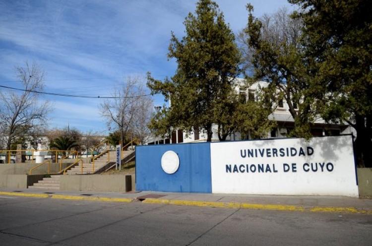 """Asueto """"Día del Profesor/a Universitario/a"""""""