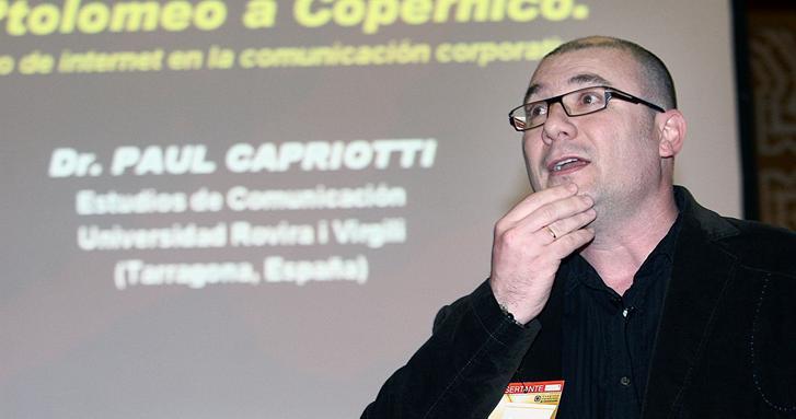 Paul Capriotti en la UNCuyo