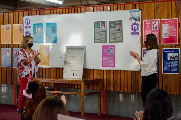 Estudiantes de la Escuela Superior de Comunicación recibieron su merecido homenaje