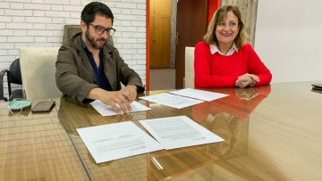 Convenio entre la FCPyS y Radio Libertador para realizar prácticas profesionales